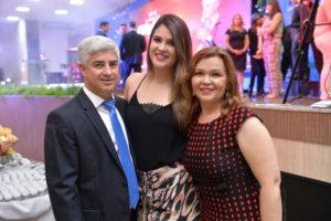 Pr. João Queiroz, sua esposa Pra. Irislene Queiroz e sua filha Jéssica Queiroz.