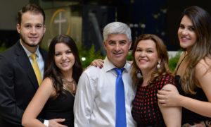 Pastor João e Família
