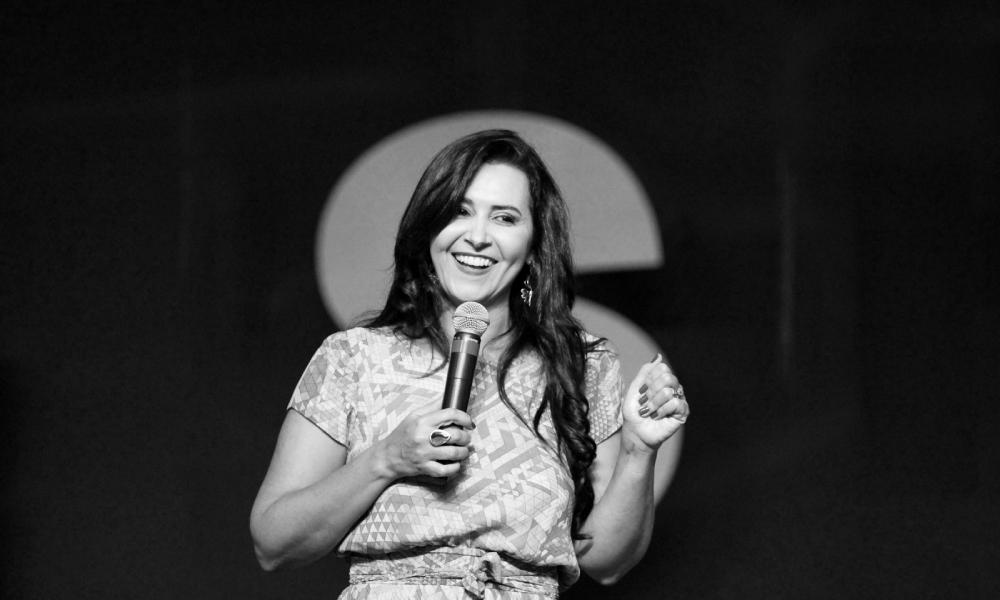 Pastora Angela Sirino: Superando os traumas e as rejeições