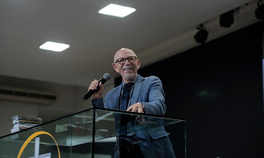 Entrevista com pastor Jorge Linhares