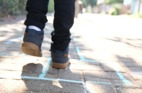 Ensina a criança no caminho em que deve andar…